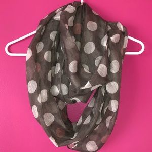 CLAIRE'S Grey Polka Dotted Infinity Scarf